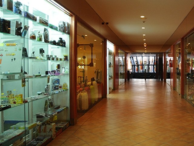 Commercial gallery and newspaper kiosk hotel beatriz playa & spa lanzarote