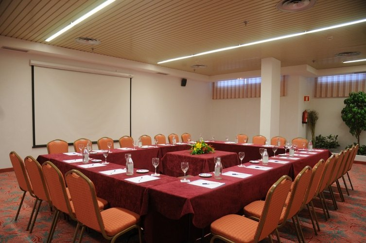 Meeting room hotel beatriz costa & spa lanzarote